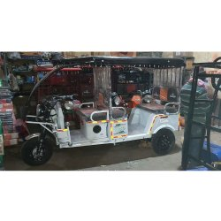 White Color Battery Operated Rickshaw