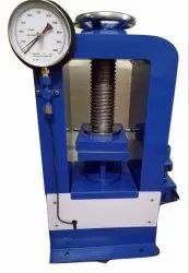 Analog Hand Operated Compression Testing Machine, 0-1000 Kn