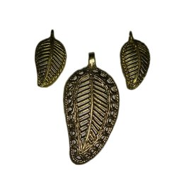 Dokra Pendent With Earing Set