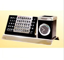 DT 1182 Crystal Table Top Clock