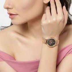 Round Luxury(Premium) SWISS DESIGN WOMEN WATCH, For PARTYWEAR, Model Name/Number: SD306