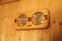 Sauna bath equipment