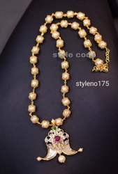 Artificial Jewelry Ladies Brass Designer Pendant