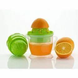 Plastic Hand Fruit Juicer