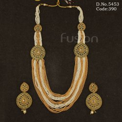 Traditional Beaded Mehndi Polish Necklace Set
