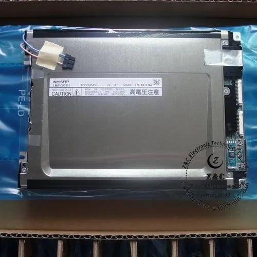LM8V302