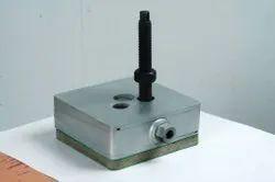 Silver Mild Steel Bolt on mount, Packaging Type: Box