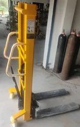 Hydraulic Hand Stacker MEDIUM DUTY