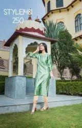 LA Firangi Women Green Printed Kurta