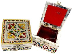 Traditional Meenakari Jewellery Box Decorative Showpiece
