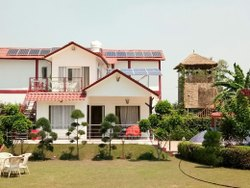 Buy a Farmhouse Near Noida