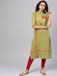 La Firangi Women Green & Red Embroidered Straight Kurta