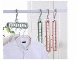 Yaadgar Enterprise White Plastic Hangers, For Home