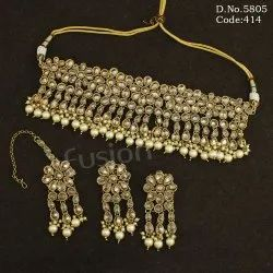 Traditional Reverse Ad Necklace Set
