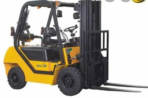 Forklifts On Rent - Diesel Forklifts On Rent Service Provider from Vapi