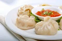 Fresh Veg Momos, 6 Pieces, Packaging Type: Pouch