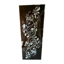 Black Designer Printed Window Glass, Size: 20*21 Inches, Thickness: 12 Mm