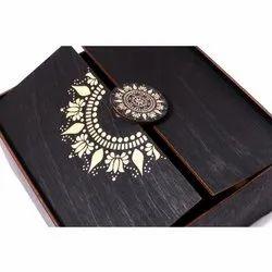 Designer Wooden Wedding Favor Box
