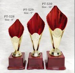 Red Flame Plastic Fibre Golden Trophie