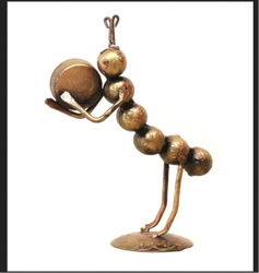 Iron Golden Musical Ants Table Stand, For Home, Size: 9 X 6 X 3 In