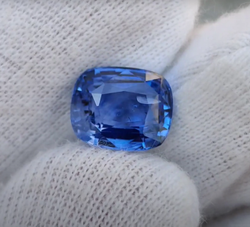 Blue Sapphire 5.06 Carat
