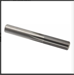 Uttam Tools 5 Solid carbide reamer (similar PCD), Number Of Flutes: 4, Length Of Cut: 40
