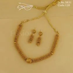Fusion Chokar Traditional Golden Necklace Set, High Gold