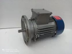 0.5 hp B5 flange three phase  motor