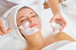 10 Am To 10 Pm Offline Skin Care Service, Dehradun