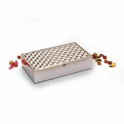 Frothed Silver Beguiling Box (Medium)