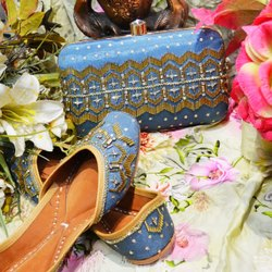 Handicraft Designer Punjabi Jutti With Matching Clutch