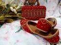 Ethnic Women Peach Punjabi Jutti With Matching Clutch