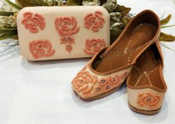 Peach Punjabi Jutti With Matching Clutches Buy Online
