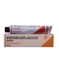 Betamethasone Valerate and Salicylic Acid