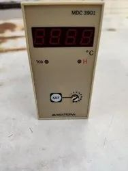 Proportional/On-Off Programmable Temperature Controller