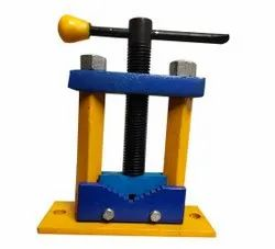 Steel Pipe Vice, Base Type: Fixed