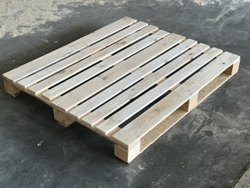 Rectangular Four Way Pine Wood Pallet, Capacity: 1000 Kg