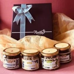 Healthy Feast Dry Fruit Gift Hamper With Almonds, Cashews, Pistachios And Raisins