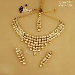 Traditional Kundan Bridal Necklace Set