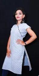 Casual Wear Half Sleeve Ladies Rayon Kurti, Wash Care: Handwash