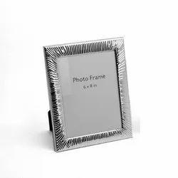 Voguishly Designed Silver Photo Frame, Size-6x8