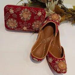 Fancy Design Punjabi Jutti With Matching Clutch