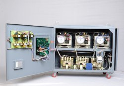 Oil Cooled Mild Steel Three Phase Servo Controlled Voltage Stabilizer, Capacity: 10 Kva