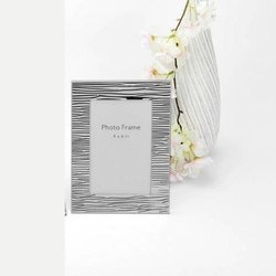 Fluted Facet Finish Silver Photo Frame, Size-4x6