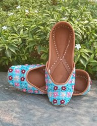 Hand Embroidery Flower Work Fancy Punjabi Jutti