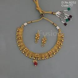 Traditional Choker Necklace Set
