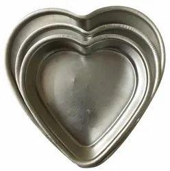 Silver Aluminium Heart Shape Cake Pan, Inside Outside Finish: Polished, Thickness Millimetre: 2 Mm