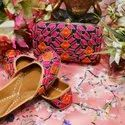 Ladies Jutti With Matching Clutches