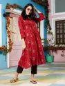 Janasya Women's Maroon Rayon Crepe Kurta(J0175)