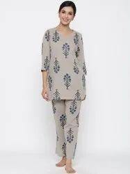 Jaipur Kurti Women Grey Floral Print Straight Cotton Blend Sleepwear